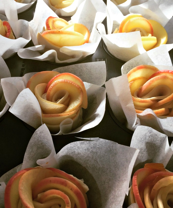 apple roses in aprchment paper
