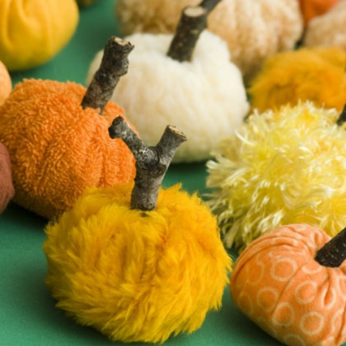 "Easy Fall DIY Projects - <a href=""http://jessexplainsitall.com/easy-fall-diy-projects/"" target=""_blank"">Jess Explains It All</a>"