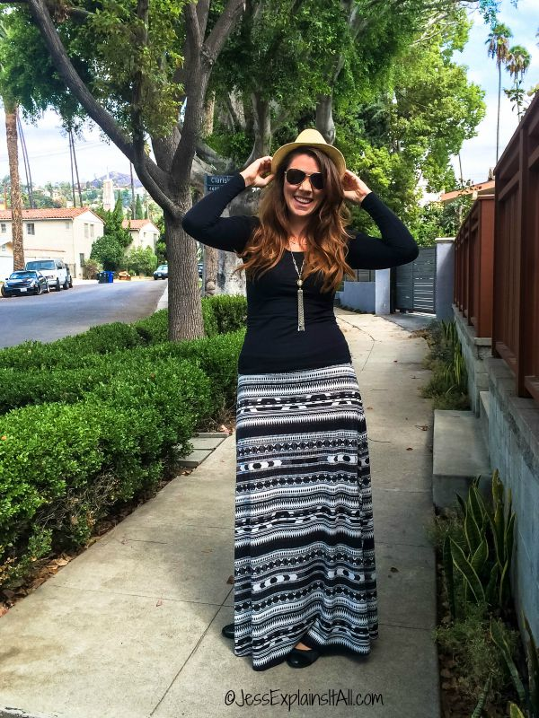wearing skirts in the winter - Long black and white skirt with black sweater