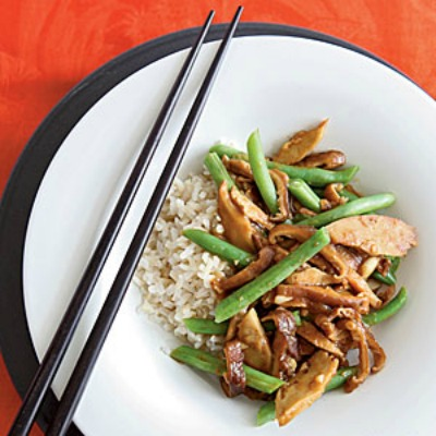 "Seitan Stir-Fry with Black Bean Garlic Sauce - <a href=""http://jessexplainsitall.com/seitan-stir-fry-with-black-bean-garlic-sauce/"" target=""_blank"">Jess Explains It All</a>"