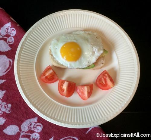 """Jess Explains It All -<a title=""""Jess Explains It All - Veggie Eggs Benedict"""" href=""""http://jessexplainsitall.com/veggie-eggs-benedict/ """" target=""""_blank"""">Veggie Eggs Benedict</a>"""