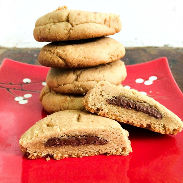 peanut butter cookies with nutella center