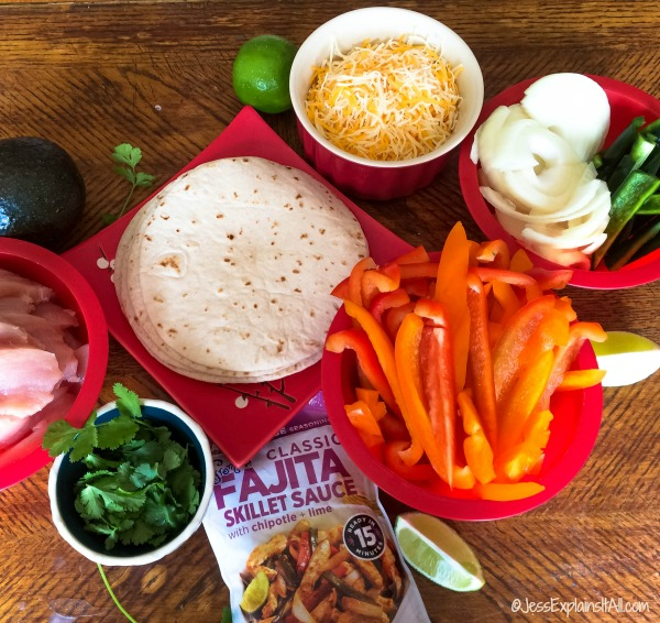 Looking for a quick dinner the whole family will love? Check out my recipe for Easy Chicken Fajitas. They're delicious and quick to make!