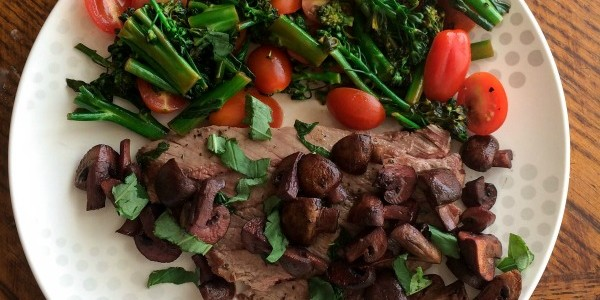 Basil Steak With Red Wine Mushrooms
