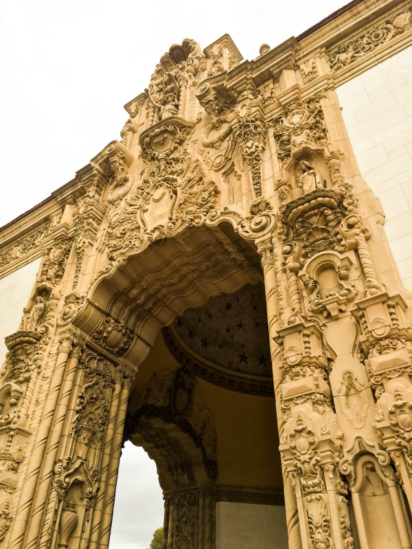 A detail shot of the design of the molding on an archway.