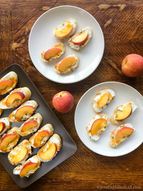 This peach bruschetta takes 10 min - making it the perfect quick & easy summer recipe! You could take it to a potluck or have it at home as a healthy snack! Check out the recipe at www.JessExplainsItAll.com